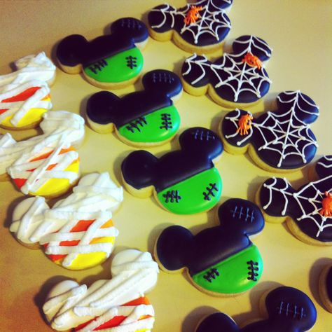 Halloween themed Mickey Mouse cookies.