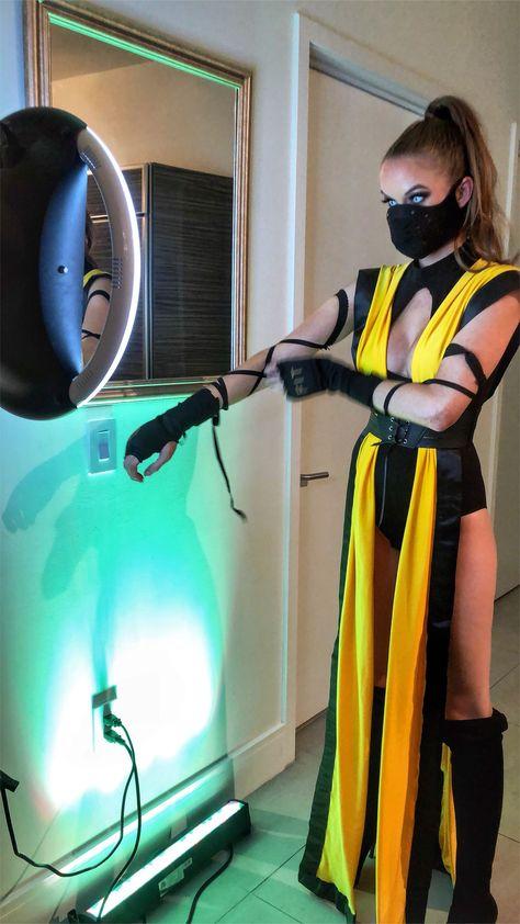female halloween costumes #halloweencostumes Female Scorpion- Mortal Kombat #mortalkombat audrabrook