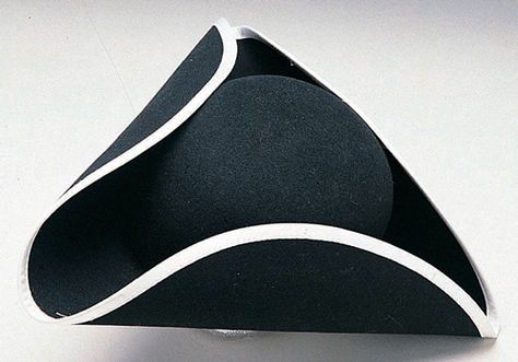 Traditional American object: tricorn hat