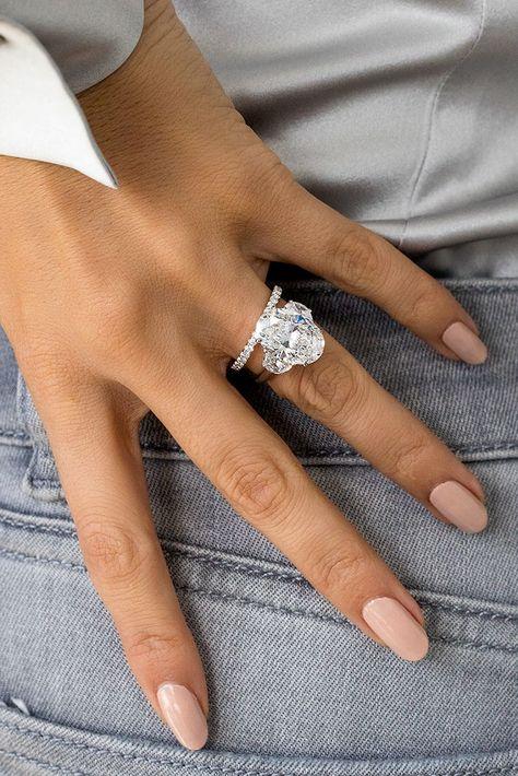 Dream Engagement Rings, Three Stone Engagement Rings, Diamond Wedding Rings, Wedding Bands, Bling Wedding, Dream Wedding, Halo, Finger, Dream Ring