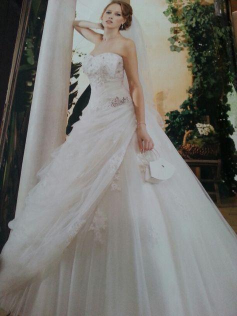 Een speelse jurk - tule met opgezet kant - glamourous & playfull
