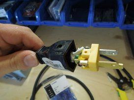 Diy Extension Cord With Built In Switch Safe Quick And Simple Extension Cord Diy Electrical Box Diy Electrical