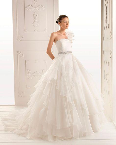 7bbf666628205 30 vestidos de novia que te haran suspirar... este está herrrmoso