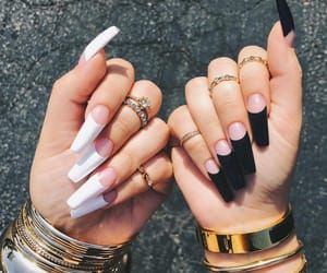 Aesthetic Black And White And Claws Image White Acrylic Nails Gorgeous Nails Long Acrylic Nails