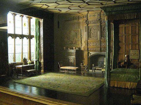 Although this is actually a miniature room, it's so much what I picture when I think of a Jacobean bedroom in a noble house/castle.