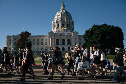 Minneapolis To Ban Use Of Chokeholds By Police New World Black Lives Matter Movement Floyd