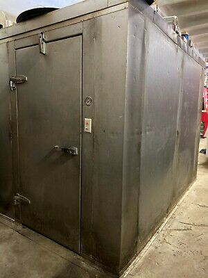 Walk In Freezer And Walk In Cooler Excellent Condition 6x6 Freezer 10x10 Cooler In 2020 Walk In Freezer Locker Storage Cooler