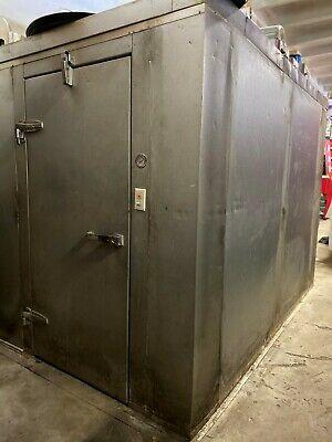 Walk In Freezer And Walk In Cooler Excellent Condition 6x6 Freezer 10x10 Cooler In 2020 Walk In Freezer Locker Storage Cooler