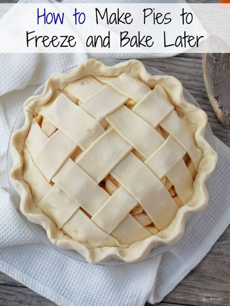For peach truck peaches! Make Pies to Freeze and Bake Later - An Easy How To Guide - Comfortably Domestic Make pies to freeze and bake later. Making holiday pies has never been easier with this make ahead method to freeze pies and bake them later! Freezer Desserts, Freezer Cooking, Köstliche Desserts, Delicious Desserts, Dessert Recipes, Yummy Food, Dinner Recipes, Freezer Recipes, Freezer Apple Pie Recipe