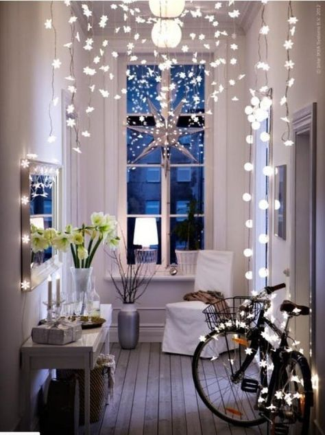 13 simple christmas decorating ideas for small spaces christmas rh pinterest com christmas decoration ideas for small apartments christmas decoration for small apartments
