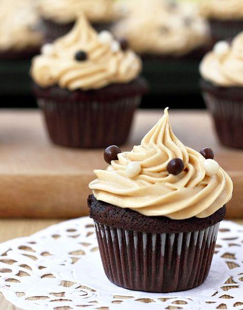Шоколадные кексы с черникой