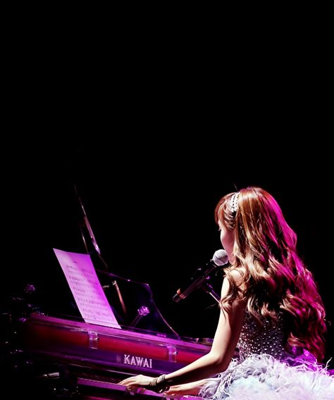snsd Jessica singing Almost she can piano!!