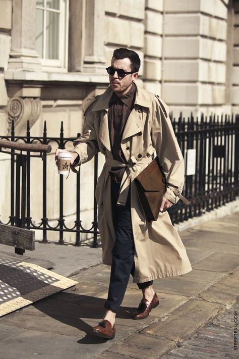 Get inspired with this trendy men's street style outfit idea! Trench coats are i. - Get inspired with this trendy men's street style outfit idea! Trench coats are in! Style Hipster, Style Casual, Swag Style, Trench Coat Outfit, Long Trench Coat, Leather Trench Coat, Leather Jackets, Burberry Trenchcoat, Burberry Men