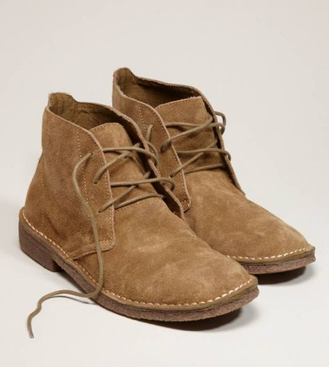 Shop Shoes for Men at American Eagle to get all the essentials. Browse men's sneakers, casual shoes, sandals and boots in all the newest designs only at AE. Brown Chukka Boots, Clarks Boots, Suede Boots, Fashion Shoes, Mens Fashion, Casual Boots, Men Casual, Desert Boots, Mens Outfitters
