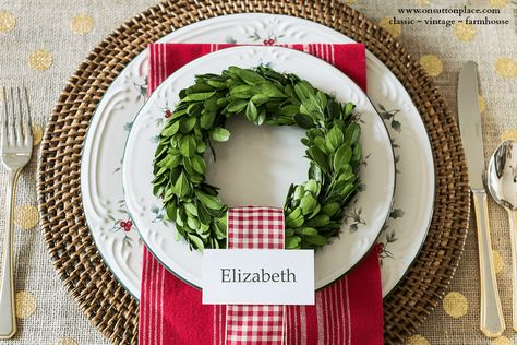 Christmas. Tablescape Ideas. Mini Boxwood Wreath Place Card Name Tag. Pfaltzgraff Winterberry Place Setting. Red and White Gingham.