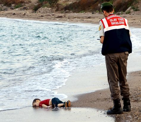 The pictures show a small boy lying face down in the sand on a Turkish beach as an official stands over him. The images of a dead Syrian child washed up on a Turkey beach are extremely distressing. We, like the Independent, have taken the decision to republish the pictures to show the true reality of the refugee crisis Europe is facing #SOSEurope  http://www.independent.co.uk/…/if-these-extraordinarily-pow…