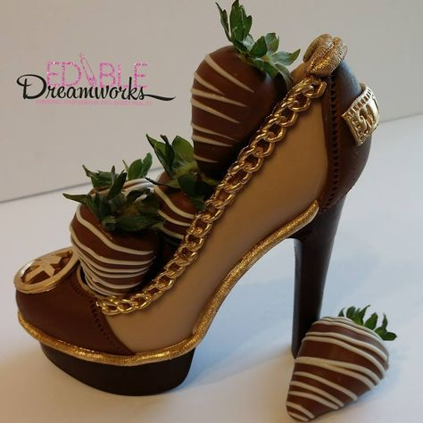 Michael Kors OFF!>> Chocolate Michael Kors Inspired Stiletto filled with chocolate covered strawberries Chocolate Art, Chocolate Gifts, Homemade Chocolate, Chocolate Moose, Shoe Cakes, Purse Cakes, High Heel Cakes, Chocolate Covered Treats, Chocolate Dipped