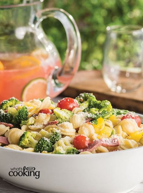 Are you ready to pack some yummy #backtoschoollunches? Make this scrumptious pasta salad with orecchiette, bow tie, rotini or whatever your kids' favourite pasta is! Tap or click photo for this easy Farmers' Market Pasta Salad #recipe.