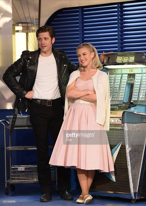 Actors playing as Danny Zuko and sandy. Grease Couple Costumes, Grease Outfits, Sandy Grease Costume, Danny And Sandy Costumes, Sandy Grease Outfit, Movie Couples Costumes, Disney Couple Costumes, Aaron Tveit, Cute Couple Halloween Costumes