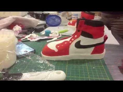 1985 Air Jordan Custom Cake Timelapse - YouTube | Nike cake, Shoe ...