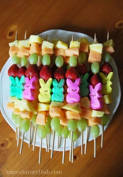 21 Super Cute Easter Appetizers! Easy and creative Easter appetizers! Festive Easter fun for kids & grown-ups! If you're looking for the best Easter ideas check out these appetizers that will make your Easter party stand out! From easy dips to Hot Cross Buns & Bunny Bait you'll find a crowd-pleasing Easter appetizer recipe in this collection! #Appetizer #EasterAppetizers #Easter party snacks Easter Appetizer Ideas: 21 Swoon-Worthy Appetizers for Easter Sunday