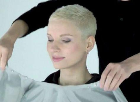 Frau haare sehr kurze Kurze Haare
