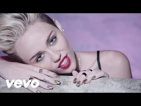 Miley Cyrus We Can T Stop Youtube Miley Cyrus Musik Lebhaft