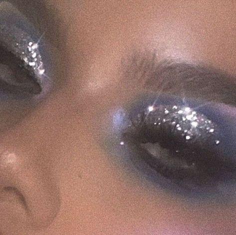 gold glitter eyeshadow, make up tutorial, make up for brown eyes, make up for hazel again wood workings bedroom - Glitzer Augen Makeup Trends, Makeup Inspo, Makeup Inspiration, Makeup Hacks, Makeup Ideas, Makeup Designs, Makeup Geek, Makeup Remover, Makeup Blog