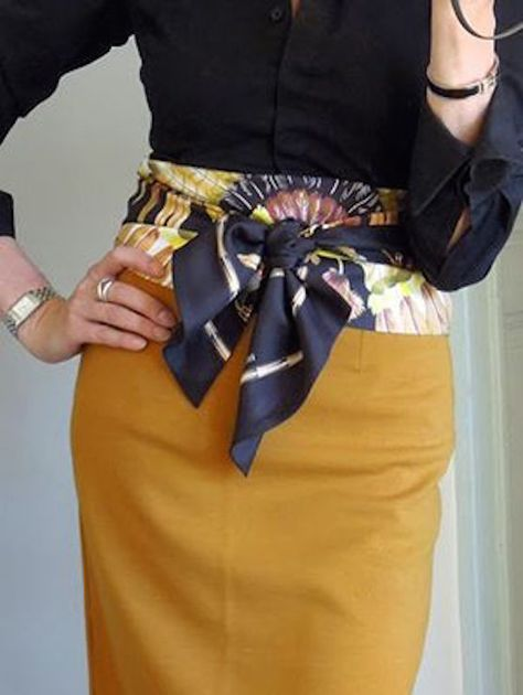 Hermes scarf worn as a belt, a great idea to brighten up an outfit How To Wear Belts, Ways To Wear A Scarf, How To Wear Scarves, Square Scarf How To Wear A, Square Scarf Tying, Wearing Scarves, Silk Scarves, Knit Scarves, Hermes Scarves