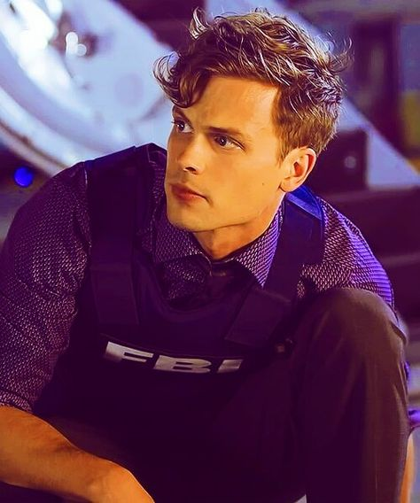 Matthew Gray Gubler as Spencer Reid in Criminal Minds Dr Spencer Reid, Spencer Reid Criminal Minds, Criminal Minds Cast, Matthew Gray Gubler, Matthew Grey, Oui Oui, Film Serie, Look At You, Man Crush