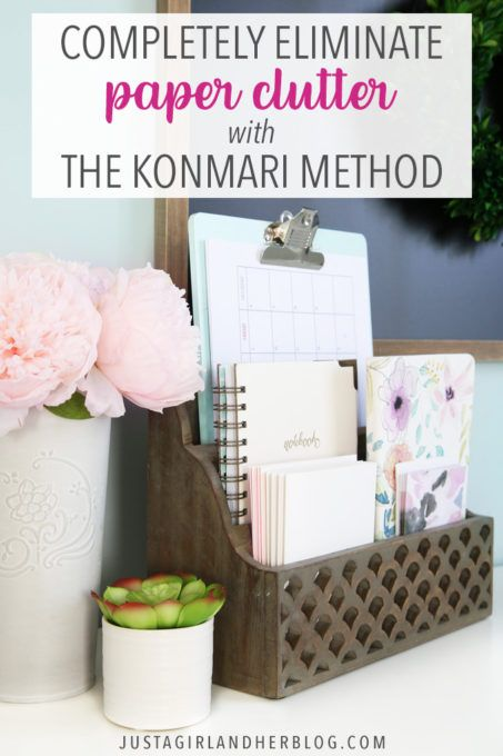 Organize paper and eliminate paper clutter once and for all with Marie Kondo's KonMari Method of decluttering paperwork! Paper organization was actually one of the main reasons I found Marie … Organisation Hacks, Organizing Paperwork, Clutter Organization, Home Office Organization, Bathroom Organization, Organizing Paper Clutter, Bathroom Ideas, Declutter Your Home, Organizing Your Home
