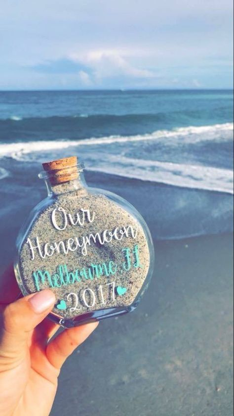 Saving a piece of the honeymoon! great way to collect sand as a memory of your honeymoon or destination wedding. great idea for destination wedding favors, tropical destination wedding favors, beach wedding favors, honeymoon beach keepsake Perfect Wedding, Fall Wedding, Rustic Wedding, Our Wedding, Dream Wedding, Wedding Beach, Wedding Stuff, Trendy Wedding, Unique Weddings