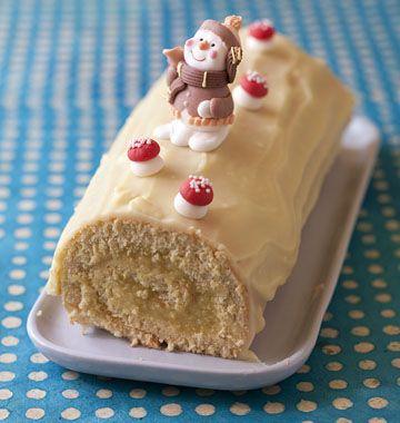 Bûche de Noël fondante ananas rhum vanille - les meilleures recettes de cuisine d'Ôdélices  http://www.odelices.com/recette/buche-de-noel-fondante-ananas-rhum-vanille-r2922