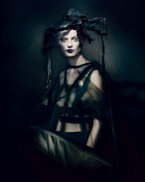 Sculptural Gothic Fashion - The T Magazine December 2013 Editorial Showcases Rei Kawakubo's Designs (GALLERY)