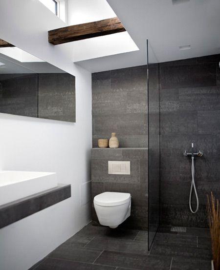 Bodenfliesen Anthrazit Mit An Der Wand Verlegt Kombination Mit Wand Wc Weiss Un Bathroom Design Small Modern Modern Small Bathrooms Bathroom Design Small