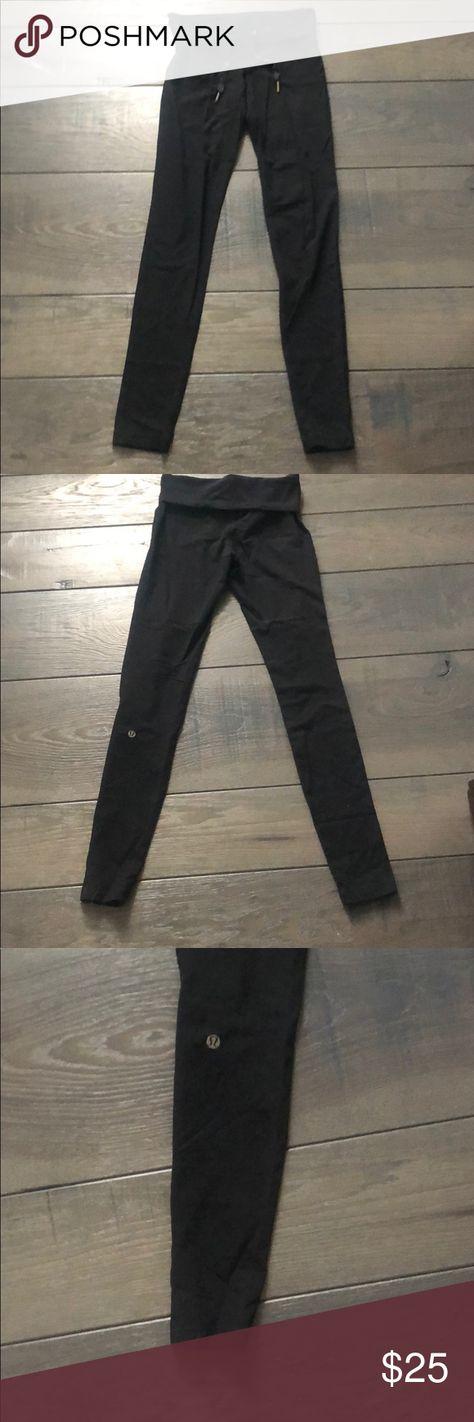 a8387411628d2 Black lulu lemon leggings Black lulu lemon leggings with a fold over strap  on waist.