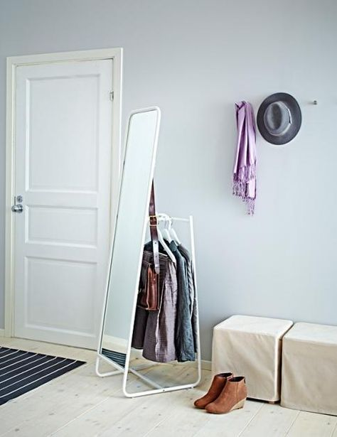 Kleiderstange Von Ikea Knapper Kleiner Raum Schlafzimmer