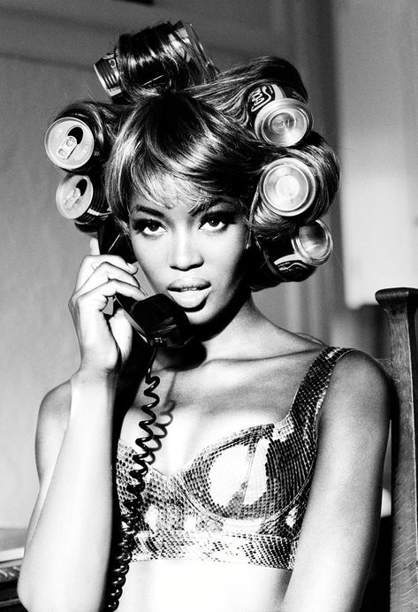 Curls & Volume - Model Naomi Campbell by Ellen von Unwerth Ellen Von Unwerth, Naomi Campbell, Black Girl Aesthetic, White Aesthetic, Marie Claire, Pelo Vintage, Gisele Bündchen, Klum, Bruce Weber