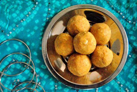 Besan Badam Ladoo/ Gram Flour Almond Balls