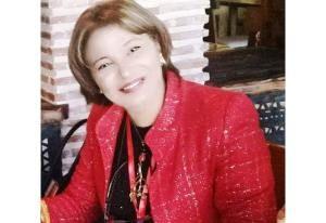 الفنانة التشكيلية سعاد علوي غزوي لوحاتي كأطفالي أحب الإطمئنان عليهم من وقت لآخر حاورها عبد المجيد رشيدي Red Leather Jacket Leather Jacket Fashion