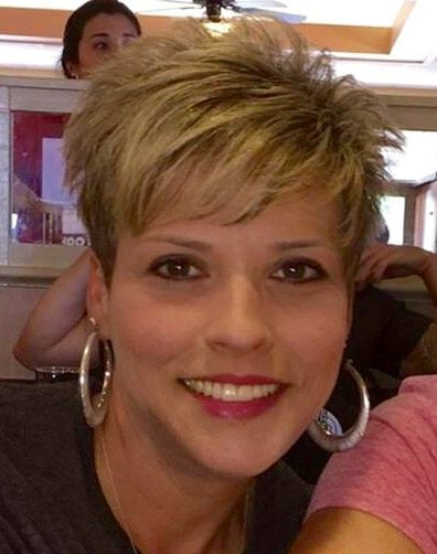 The Short Pixie Cut - 58 Great Haircuts You'll See for 2019 - Hairstyles Trends Short Spiky Hairstyles, Short Pixie Haircuts, Haircuts With Bangs, Short Hairstyles For Women, Blonde Hairstyles, Bangs Hairstyle, Bridal Hairstyle, Easy Hairstyles, Haircut For Older Women