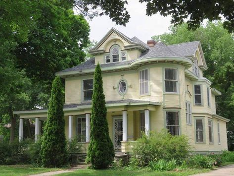 1924 Victorian In Mason City Iowa Old Houses For Sale Victorian Homes Old House Dreams