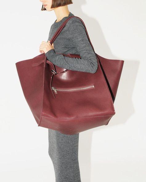 いいね!52件、コメント0件 ― Ekseptionさん(@ekseption)のInstagramアカウント: 「#céline dress and Big Bag by @phoebephilodiary just arrived at Ekseption store.  Model…」