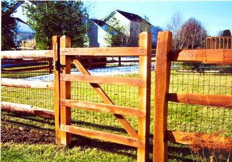 Split Rail Fence With Wire Fence Design Fence Landscaping Modern Fence