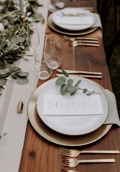 chic greenery wedding table setting decoration ideas