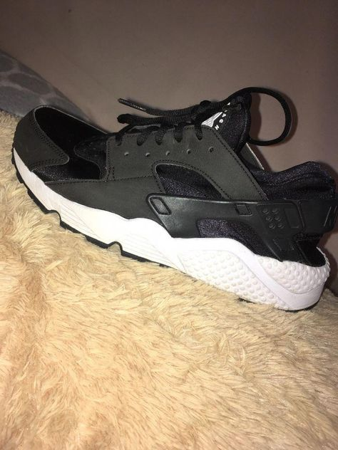 29a1680eb257 Roshes Black And White Size 9 Womens  fashion  clothing  shoes  accessories   womensshoes  athleticshoes (ebay link)  Ignite3WomensrunningShoes