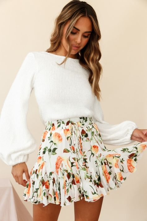 cute outfits for school ; cute outfits with leggings ; cute outfits for women ; cute outfits for school for highschool ; cute outfits for spring ; cute outfits for winter Cute Casual Outfits, Girly Outfits, Cute Summer Outfits, Mode Outfits, Orange Outfits, Cute Easter Outfits, Casual Summer, Winter Outfits, Cute Summer Clothes