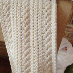 FREE Crochet Pattern: Pumpkin Infinity Scarf
