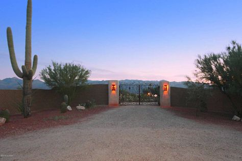 Equestrian Estate For Sale In Pima County Arizona Welcome To Golden Saddle Ranch An Unrivaled 1950 S Era Span Courtyard Entry Arizona Entry Gates