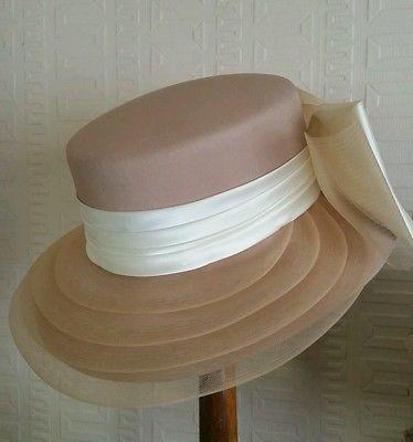 0d2be8c02a7 STUNNING VINTAGE LATTE   CREAM WIDE BRIM HAT. RACES WEDDING